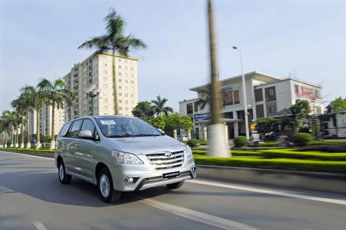 Những chiếc xe đắt khách nhất Việt Nam năm 2014 7