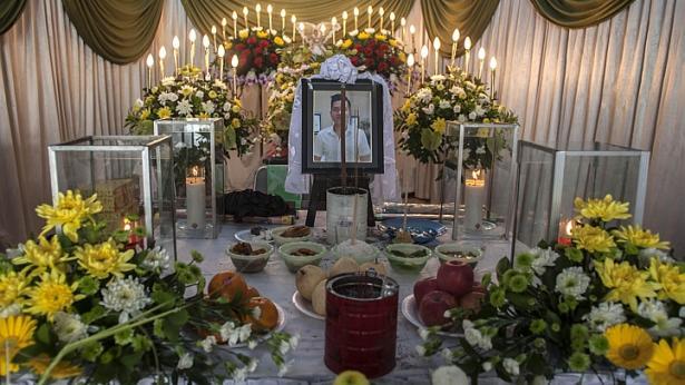 Nhận ra em trai trên chuyến bay định mệnh QZ8501 nhờ bức ảnh 'tự sướng' 4