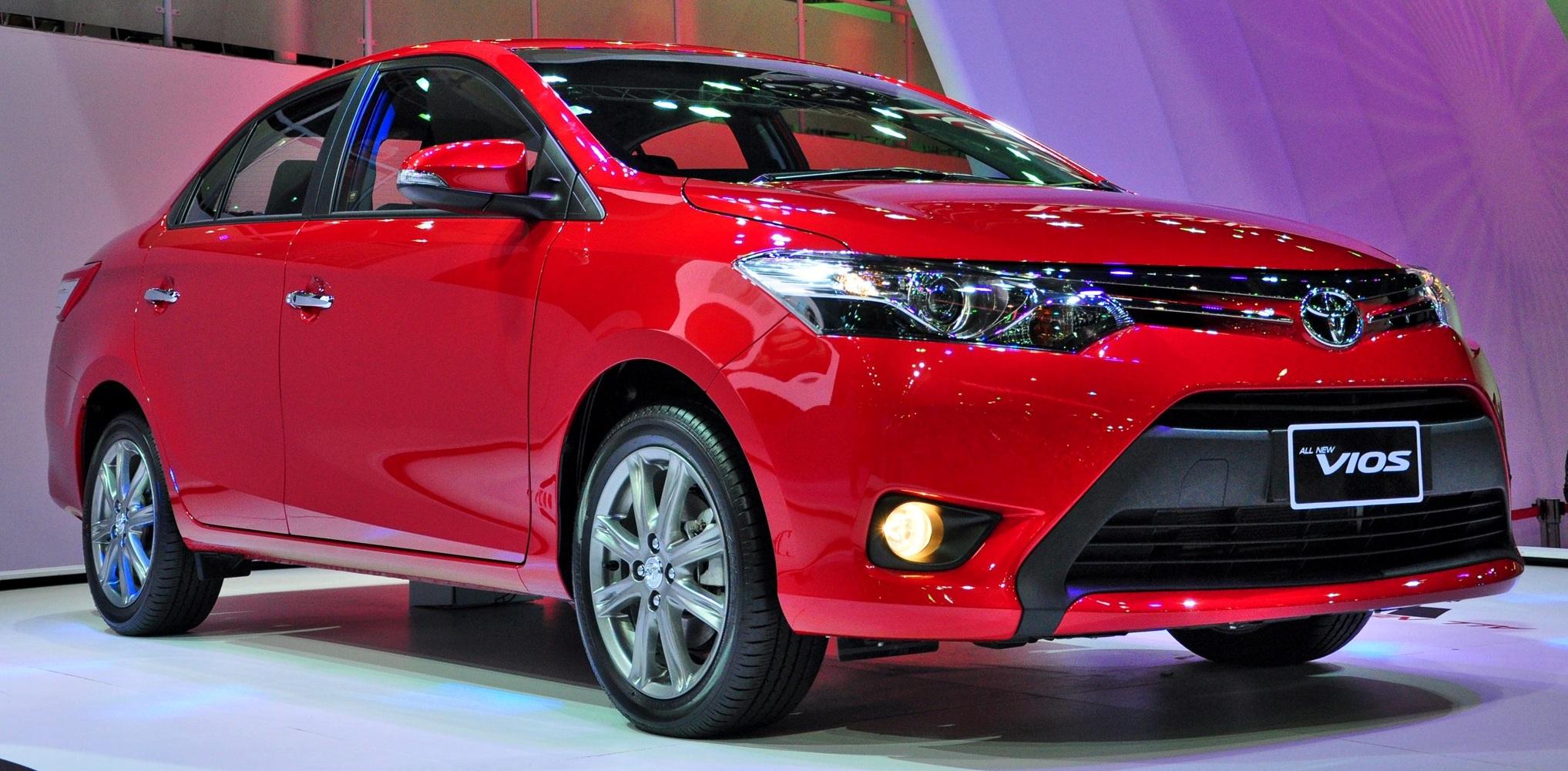 Những chiếc xe đắt khách nhất Việt Nam năm 2014 5