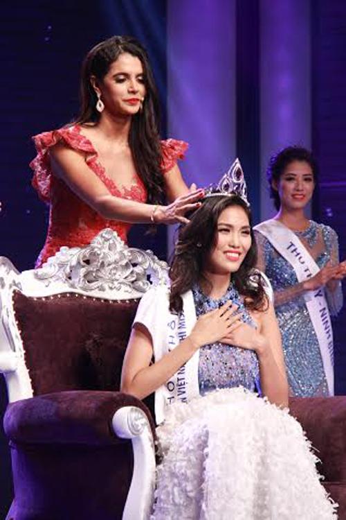 Trần Ngọc Lan Khuê đăng quang Hoa khôi áo dài Việt Nam 2014 5