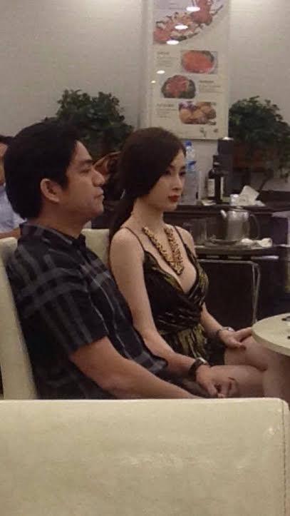Bạn trai đại gia công khai tình yêu với Angela Phương Trinh 6