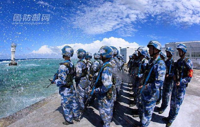Trung Quốc lần đầu công bố ảnh hoạt động quân sự trên bãi Chữ Thập 11