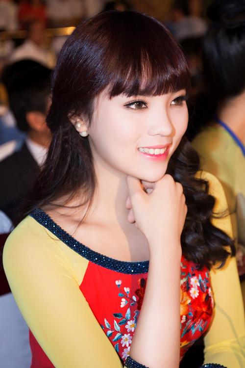Hoa hậu Kỳ Duyên đẹp khác lạ nhờ 'dao khéo' hay photoshop? 22
