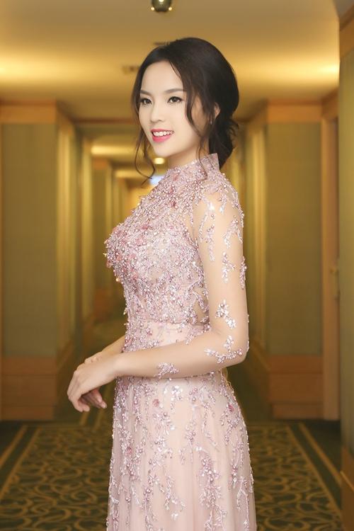 Hoa hậu Kỳ Duyên đẹp khác lạ nhờ 'dao khéo' hay photoshop? 25