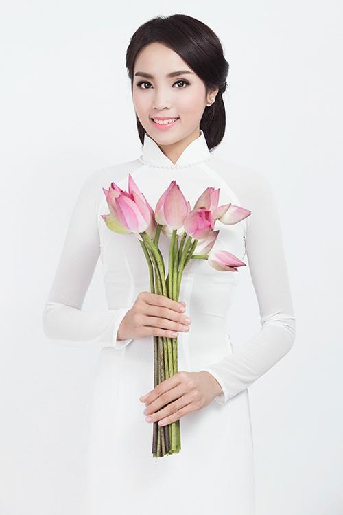Hoa hậu Kỳ Duyên đẹp khác lạ nhờ 'dao khéo' hay photoshop? 7