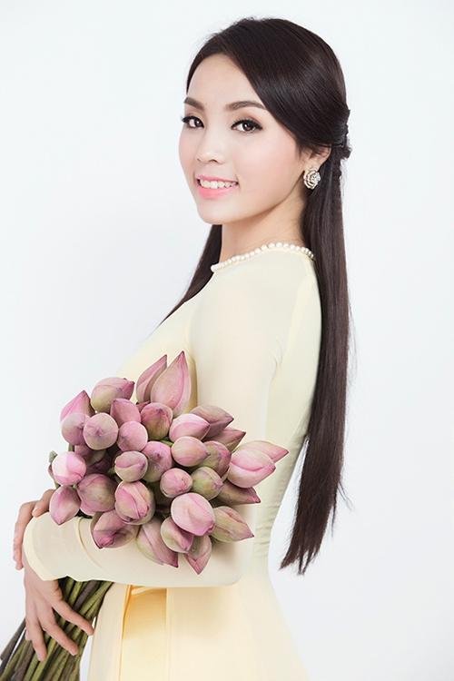 Hoa hậu Kỳ Duyên đẹp khác lạ nhờ 'dao khéo' hay photoshop? 8