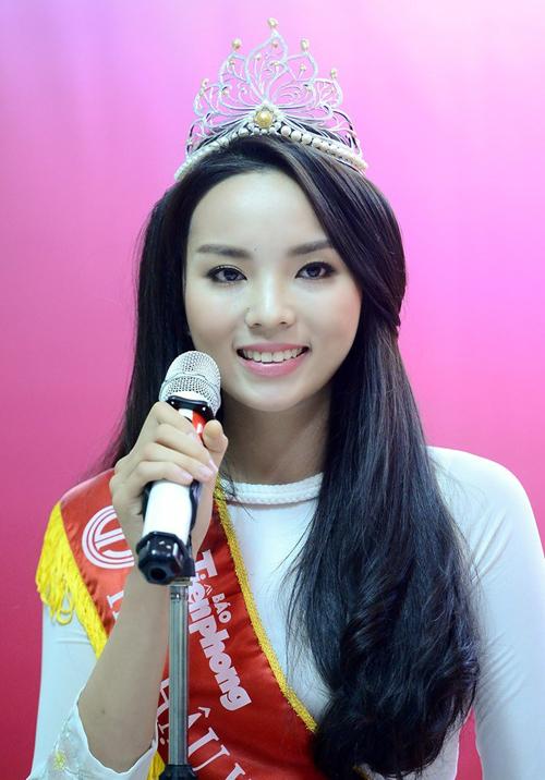 Hoa hậu Kỳ Duyên đẹp khác lạ nhờ 'dao khéo' hay photoshop? 10