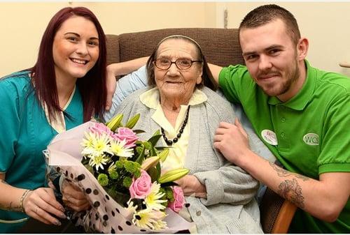 Hình ảnh Chuyện lạ: Cụ bà 104 tuổi có mái tóc của thiếu nữ 20 số 2