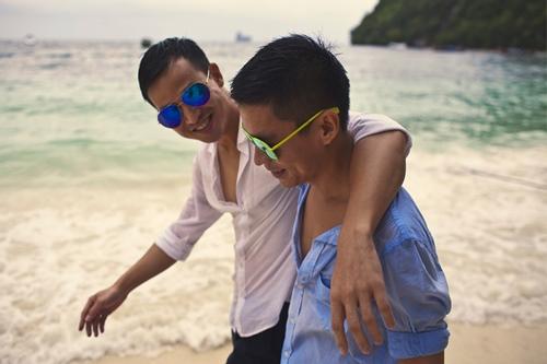 Trọn bộ ảnh cưới đồng tính của nhà thiết kế Việt 5
