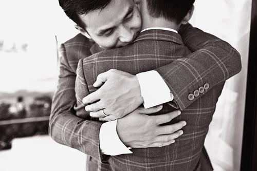 Trọn bộ ảnh cưới đồng tính của nhà thiết kế Việt 15
