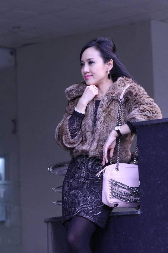 BTV Hoài Anh xinh đẹp bên con gái sau giờ lên sóng thời sự 6
