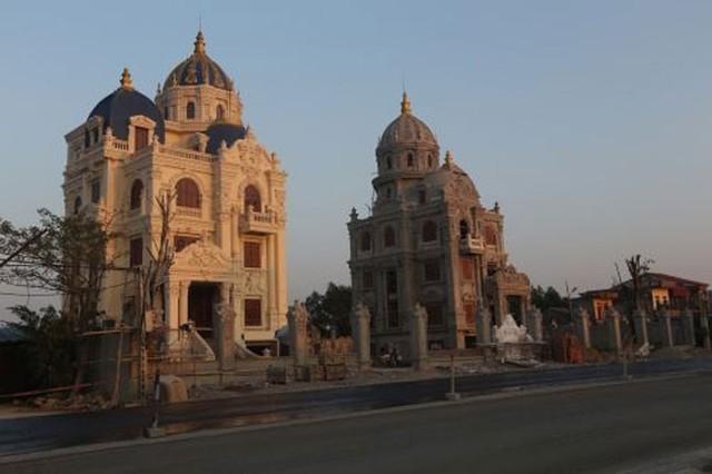 Lâu đài thiết kế theo kiểu Nhà quốc hội Mỹ của đại gia Ninh Bình 9