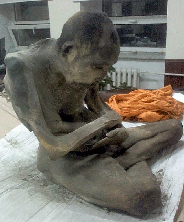 Phát hiện xác ướp 200 năm tuổi trong tư thế ngồi thiền 5