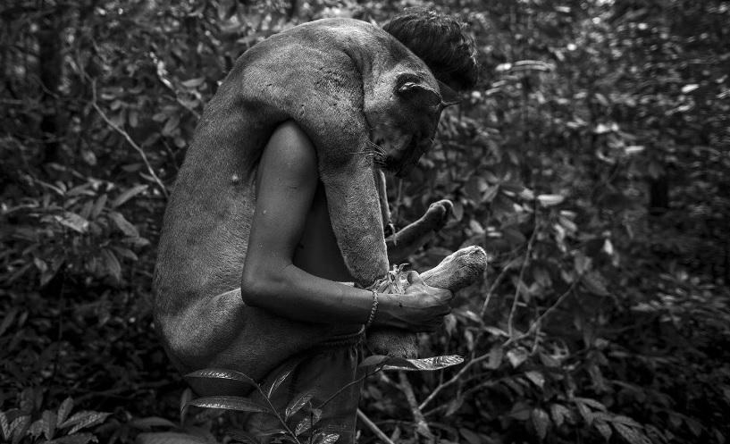 Cận cảnh cuộc sống của bộ lạc ít người nhất hành tinh có nguy cơ tuyệt chủng 13