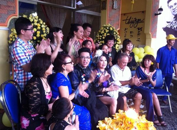 Sự thật MC Thanh Bạch cưới 'bà trùm' Thúy Nga Paris by Night 5