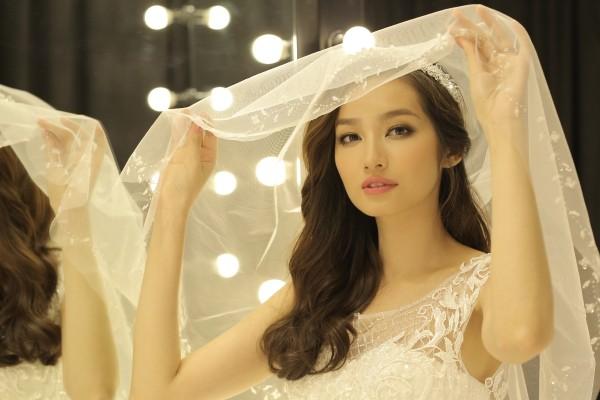 Hoa hậu Trúc Diễm đẹp không tì vết trong bộ váy cô dâu 7