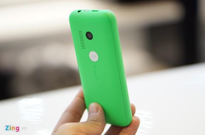 Khui hộp Nokia 215 với thời lượng pin chờ 27 ngày 11