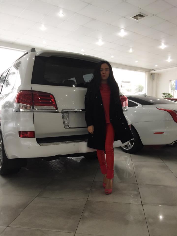Cận cảnh dàn xe 100 chiếc siêu sang của nữ đại gia xứ Thanh 15