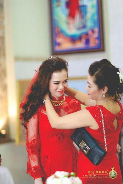 Đám cưới đại gia Đồng Nai sính lễ 10 sổ đỏ, nhà 5 tỷ và siêu xe 11