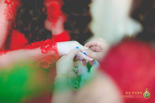 Đám cưới đại gia Đồng Nai sính lễ 10 sổ đỏ, nhà 5 tỷ và siêu xe 9
