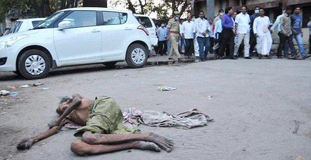 Ấn Độ: Phẫn nộ Bộ trưởng Y tế bỏ mặc người bệnh đang hấp hối 5