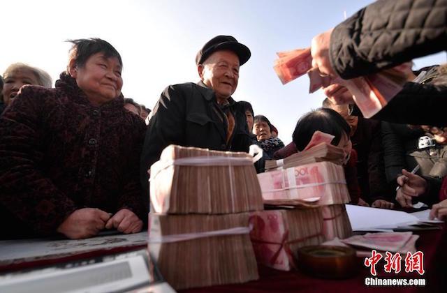 Đại gia chi hơn 7 tỷ mua quà Tết biếu toàn bộ dân làng 11