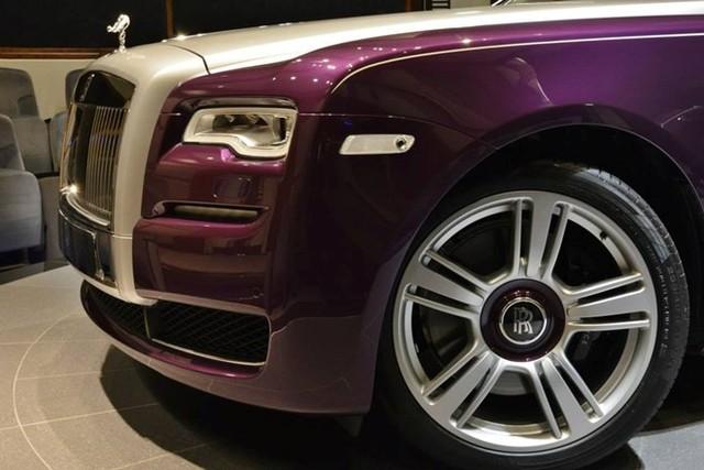Rolls-Royce Ghost màu tím tuyệt đẹp của đại gia dầu mỏ 3