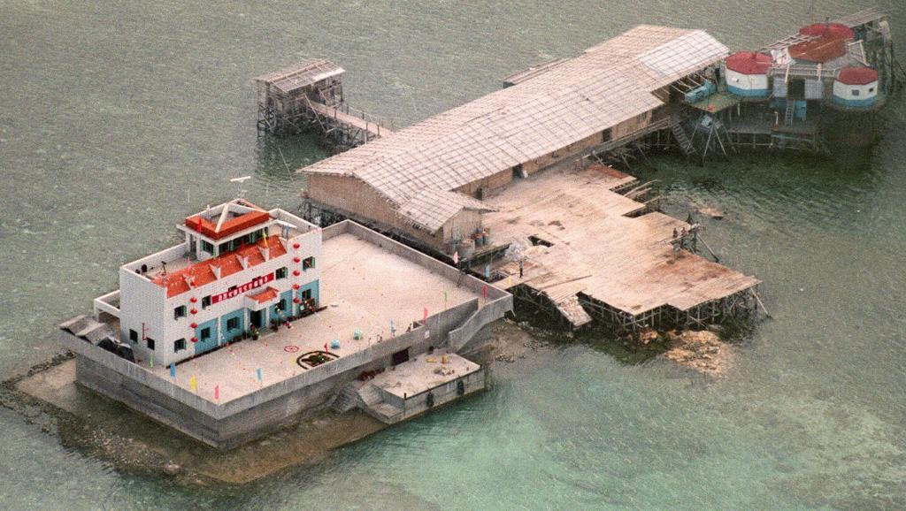 Trung Quốc bị tố bồi đắp đảo Đá Vành Khăn ở Trường Sa 5