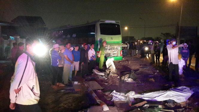 Phó Thủ tướng chỉ đạo điều tra vụ tai nạn thảm khốc, 10 người chết 5