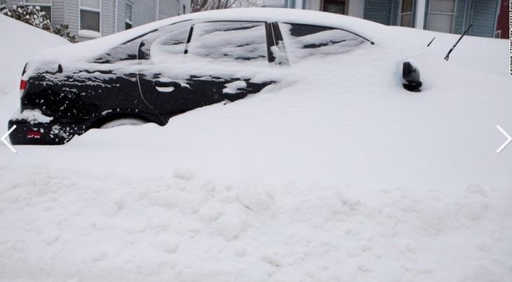 """Chùm ảnh đông bắc Mỹ bị """"chôn vùi"""" trong bão tuyết 7"""