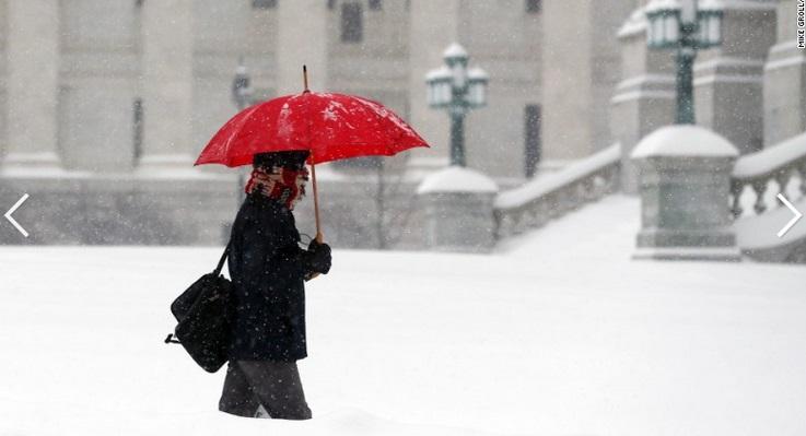 """Chùm ảnh đông bắc Mỹ bị """"chôn vùi"""" trong bão tuyết 9"""