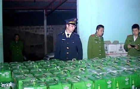 """Phát hiện vụ buôn lậu hơn 700 chai rượu ngoại có giá trị """"khủng"""" 5"""