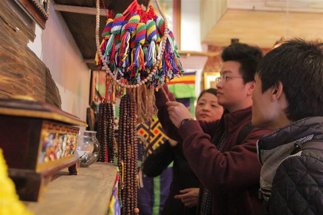 Ngắm tượng Phật Tây Tạng ngay tại Hà Nội 7