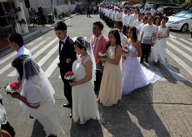 700 cặp đôi cùng làm đám cưới nhân dịp Valentine 5