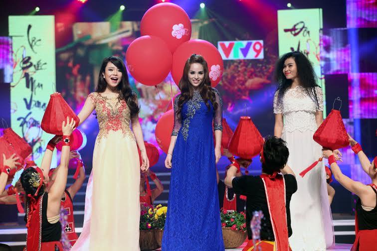 Những cặp đôi đẹp nhất của showbiz Việt hội tụ Hương Tết Việt 2015 9