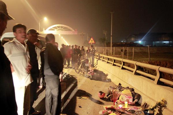 Hai cha con bị xe tải đâm tử vong khi đang trên đường về quê ăn tết 5