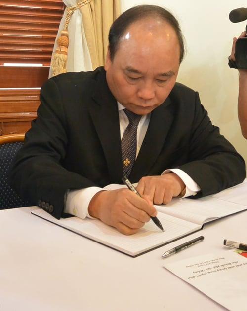 Viếng ông Nguyễn Bá Thanh, lãnh đạo Đảng, Nhà nước viết gì trong sổ tang? 10