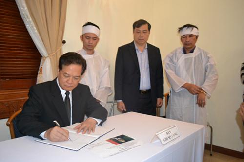 Viếng ông Nguyễn Bá Thanh, lãnh đạo Đảng, Nhà nước viết gì trong sổ tang? 9