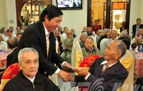 Những bức ảnh giản dị về ông Nguyễn Bá Thanh với người dân Đà Nẵng 12