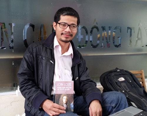 Người đàn ông đi bộ xuyên Việt trong hơn 3 tháng để khuyến đọc 4