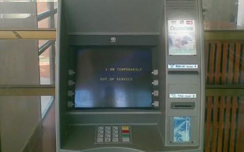 ATM của ngân hàng Agribank bị phá, trộm gần 1 tỉ đồng 5