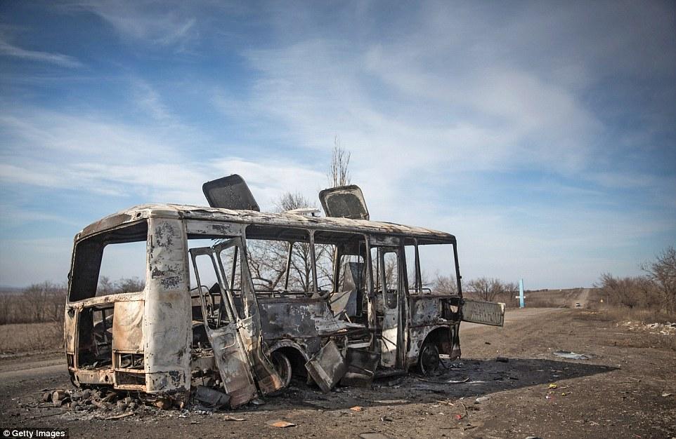 """Chùm ảnh: Nỗi đau """"ngày tận thế"""" tái hiện tại miền đông Ukraine 14"""