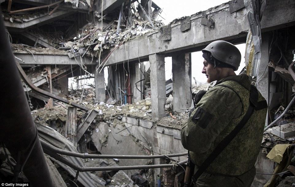 """Chùm ảnh: Nỗi đau """"ngày tận thế"""" tái hiện tại miền đông Ukraine 21"""