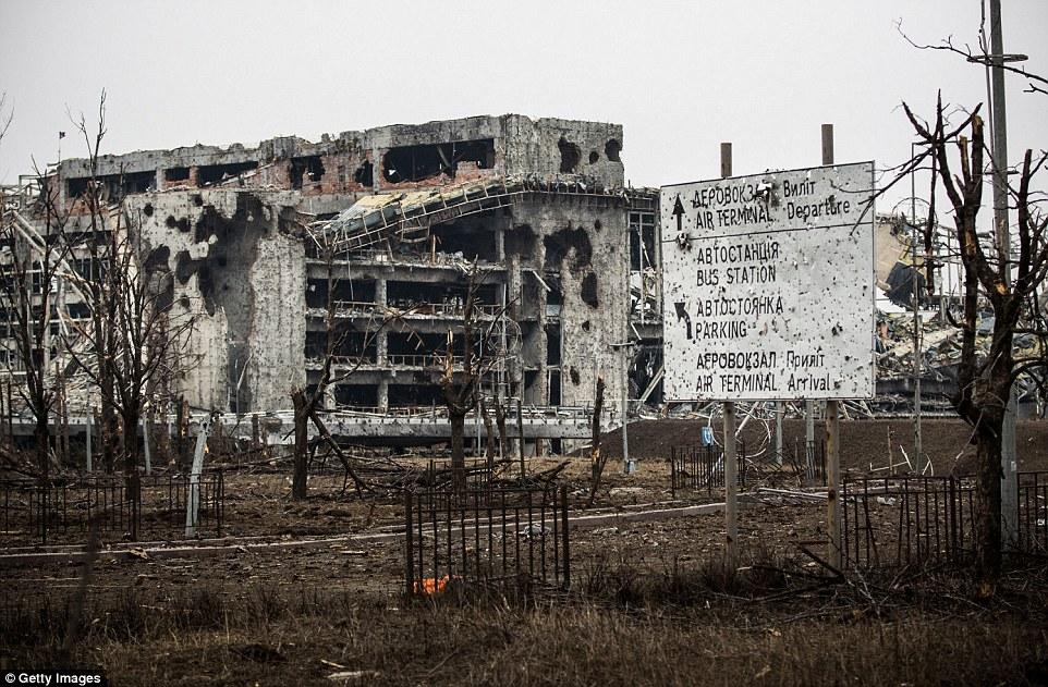 """Chùm ảnh: Nỗi đau """"ngày tận thế"""" tái hiện tại miền đông Ukraine 8"""