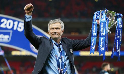 Mourinho vui như trẻ thơ khi cùng Chelsea vô địch Capital One Cup 6