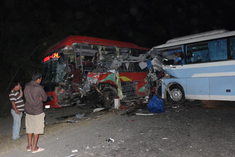 Tai nạn thảm khốc, 1 người chết, 14 người bị thương 4