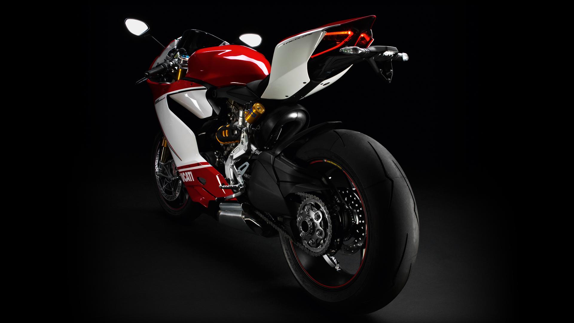 Tìm hiểu Ducati 1199 Panigale, siêu xe trong vụ tai nạn với đoàn xe motor 9