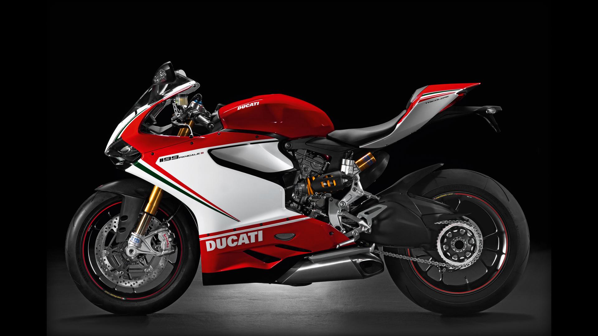 Tìm hiểu Ducati 1199 Panigale, siêu xe trong vụ tai nạn với đoàn xe motor 6