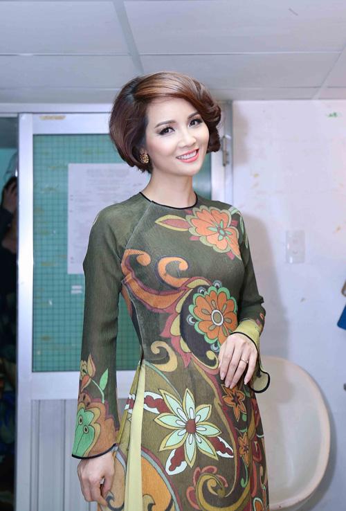 Mai Thu Huyền đọ vẻ xinh đẹp bên Á hậu thể thao Băng Châu  6