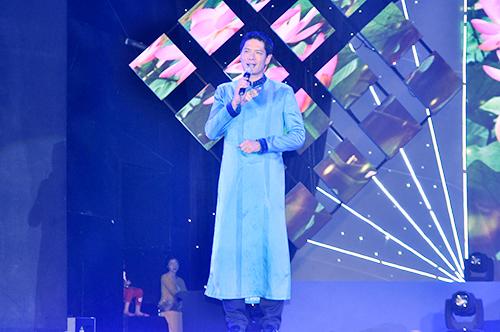 Nam Cường khiến khán giả rơi nước mắt trong đêm nhạc từ thiện 9